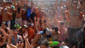 vista previa del artículo Más de 12.000 personas se mojan en Vilagarcía
